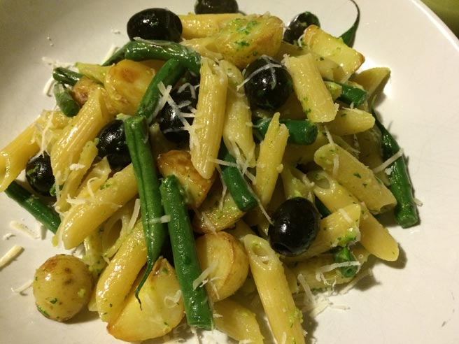 Pasta, potato and pesto